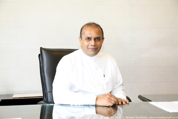 Hon. J.M. Ananda Kumarasiri – Deputy Speaker and Chair of Sri Lanka Parliamentarians Forum for Evaluation